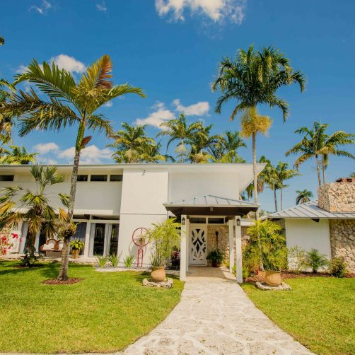 Whimsical Key West House – Book The Best Wedding Venue